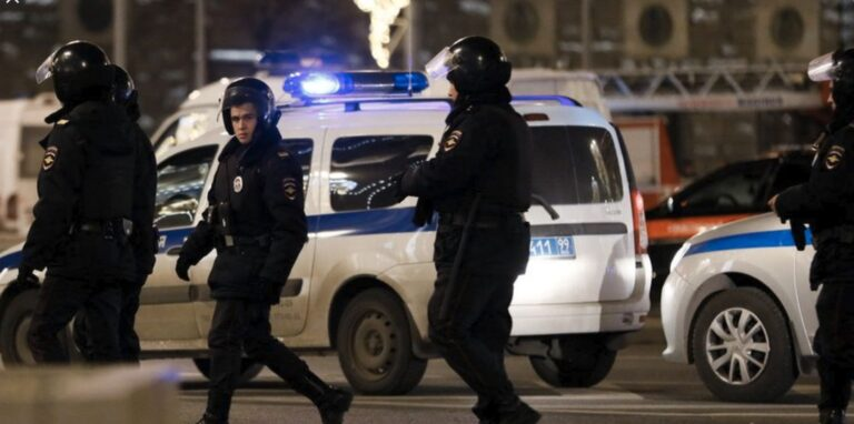 Russia: 16-Year-Old Shot Dead After Stabbing Officer in Tatarstan