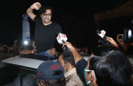 Supreme Court Granted Interior Bail To Arnab Goswami In The Case Of Suicide Of An Interior Designer