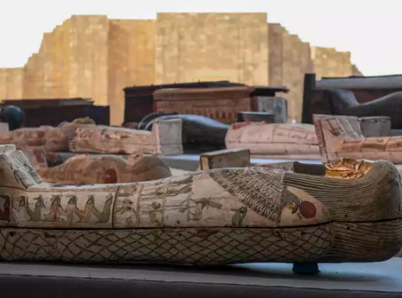 100 Ancient Coffins Found In Egypt, Eyes Open On Seeing 2500 Year Old Mummy