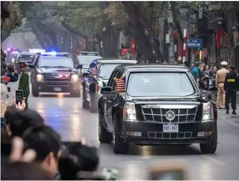 When The American President's Car 'The Beast' Was Stopped On The Road Of Mumbai, The Secret Service Was Blown Away
