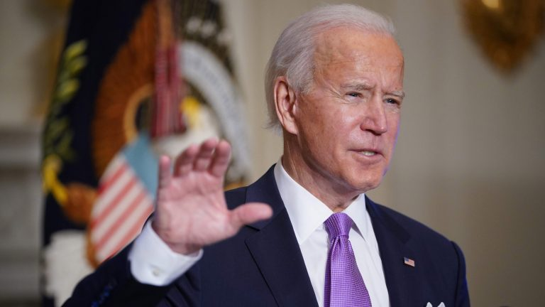 Biden admin backs dating sites to boost plateauing vaccination campaign in US