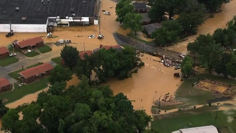 The Situation Worsened Due To The Tennessee Floods Of America, 17 Inches Of Rain In A Day; 22 Dead