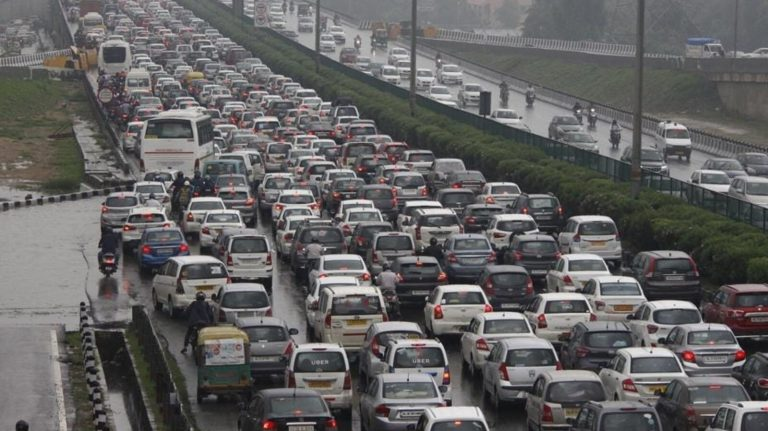 Registration of vehicles older than 15 years to cost more from April 2022